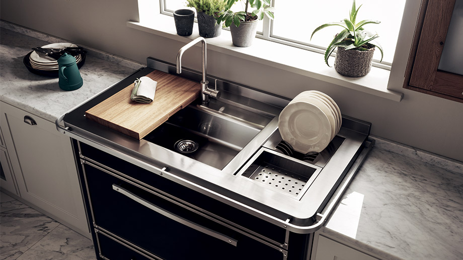 Material cleaning tips: after the doors and tops, it's now time for the sink